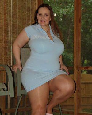 Une BBW hot girl qui n