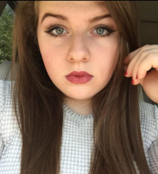 Delphine, belle ronde de 19 ans parisienne