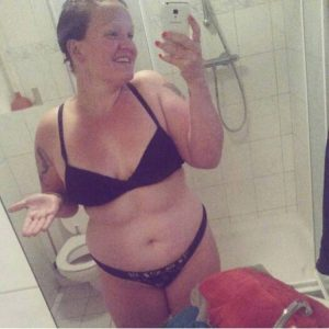 Un selfie dans la salle de bain pour Melinda