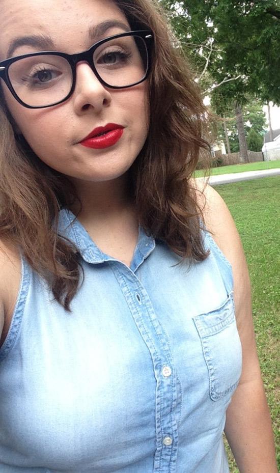Gabrielle, brune à lunettes de Bordeaux
