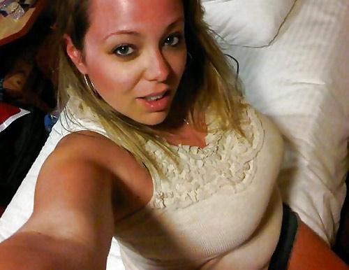 Blonde Pulpeuse 4