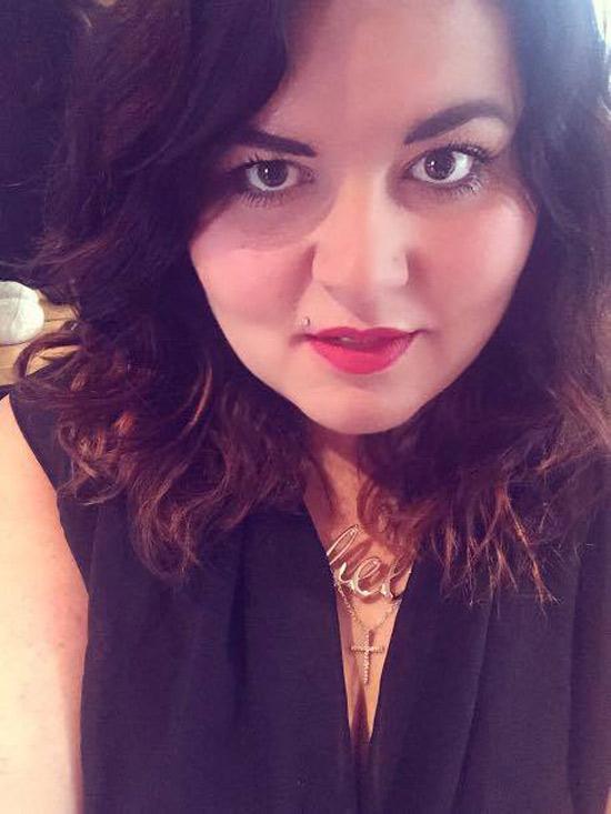 Isabelle, brune extravertie tout en rondeur, de Montpellier