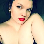 Ludmila, sublime beauté BBW, de Lyon, cherche relation coquine