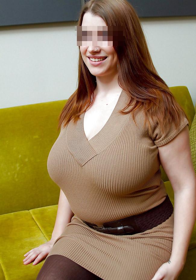 Maïtena parisienne sexy aux seins énormes