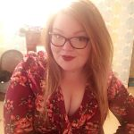 Marina jolie ronde à lunettes cherche rencontre concrète à Reims