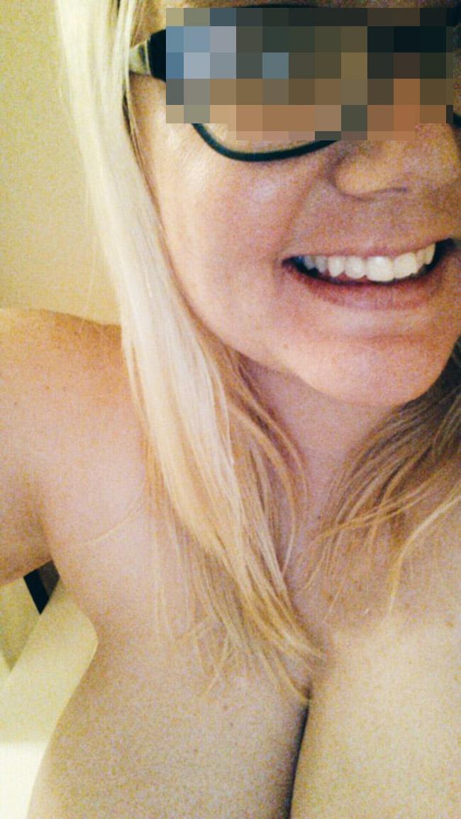 Mélodie, ronde blonde hipster