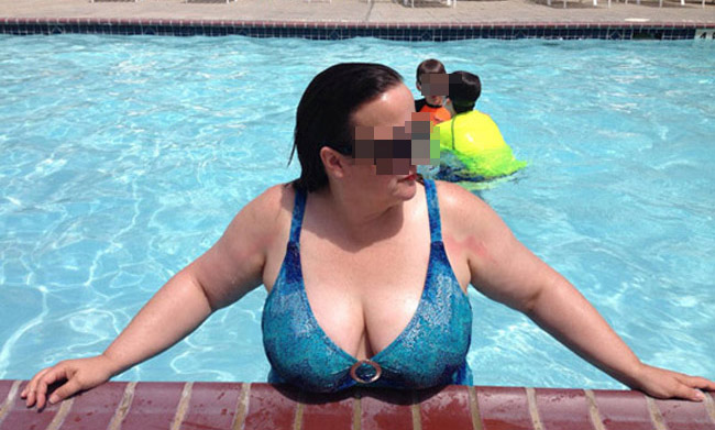 Mireille, femme mature divorcée grassouillette